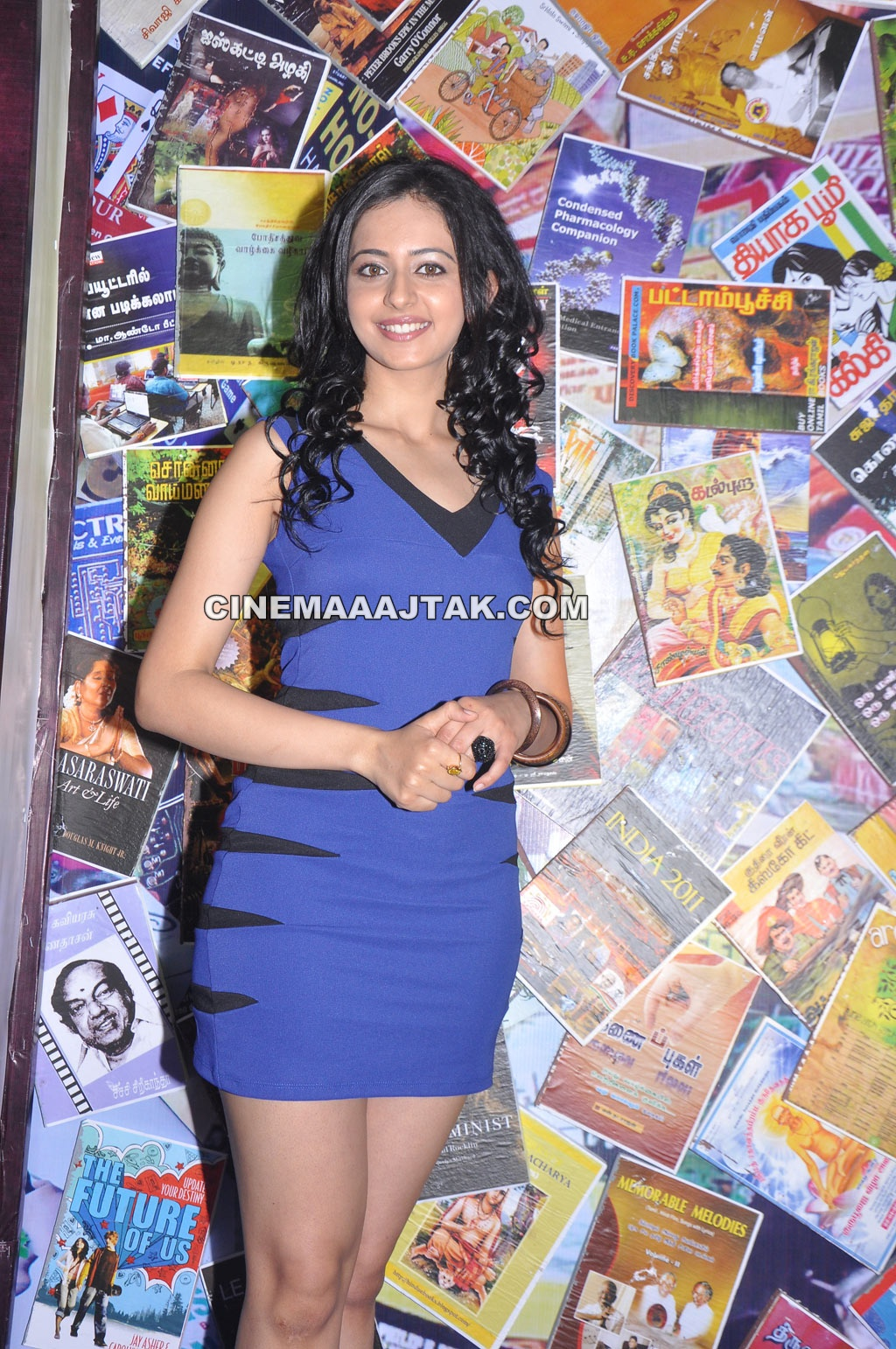 https://4.bp.blogspot.com/-z9V36Onh1Ak/T56PZJxv2DI/AAAAAAAADP8/ry_gP9fVQRM/s1600/Rakul+Preet+Singh+at+Puthagam+Movie+Launch+New+Latest+Images+(5).jpg