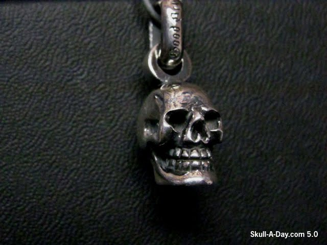 Contest reminder win a good art hlywd sterling silver skull pendant mozeypictures Image collections
