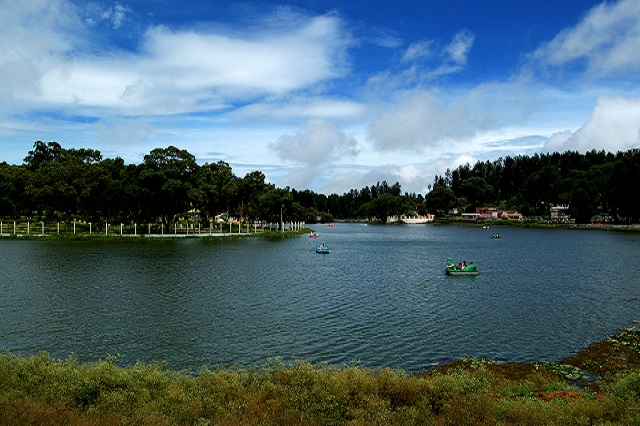 Yercaud Lake This quiet little hill station on the Shevaroy hills of the Eastern ghats is the only one of its kind in northern Tamil Nadu.