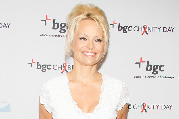 Pamela Anderson wrote an open letter to Vladimir Putin
