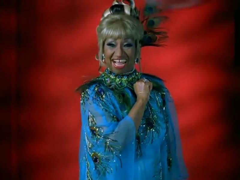 Celia Cruz - ¨La Negra tiene tumbao¨ - Videoclip - Dirección: Ernesto Fundora. Portal Del Vídeo Clip Cubano - 10