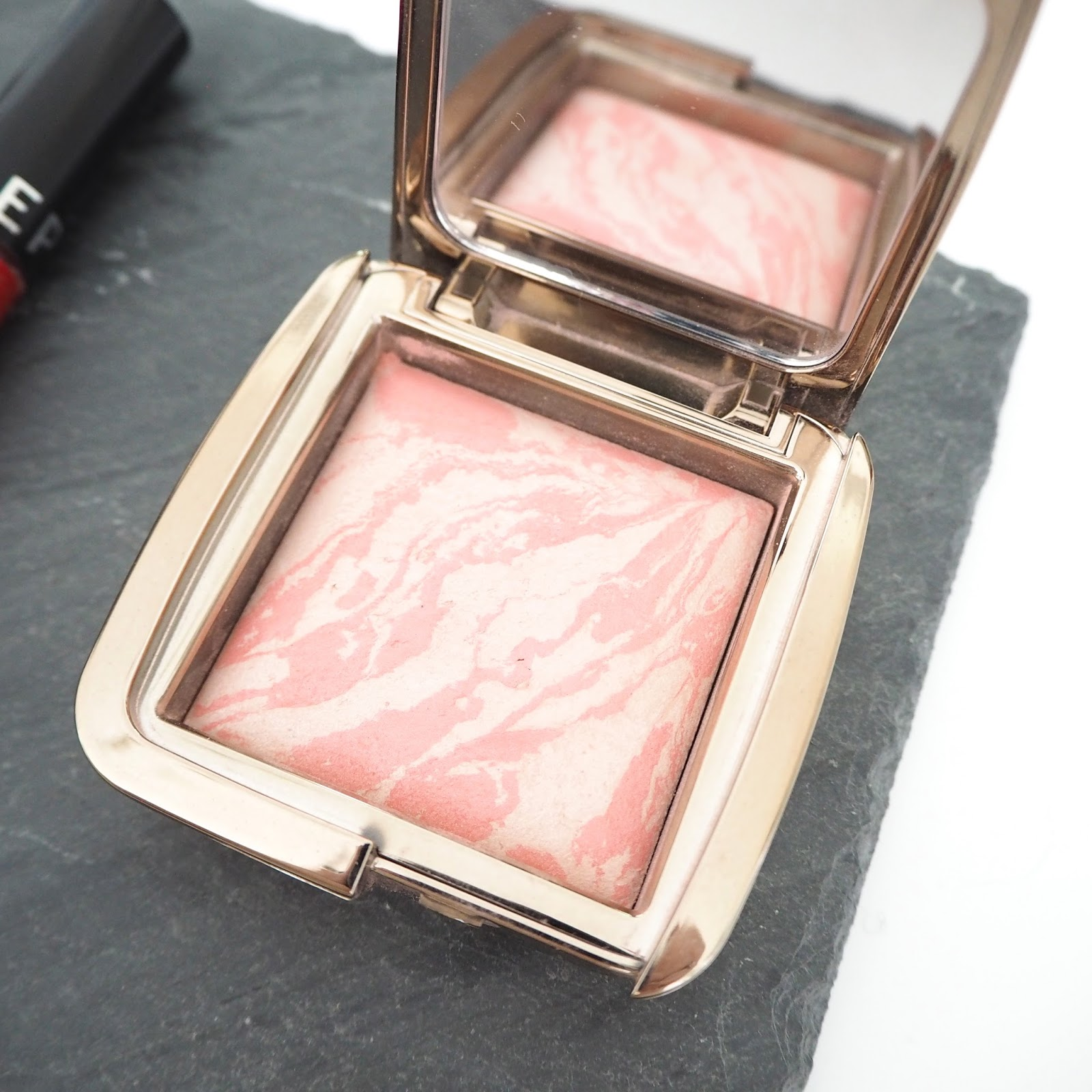 Hourglass Ambient Lighting Blush in Incandescent Electra