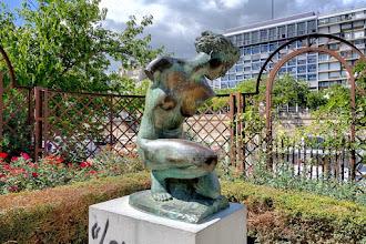 Paris : Diane, une statue signée Henry Arnold au jardin du Port de l'Arsenal - XIIème