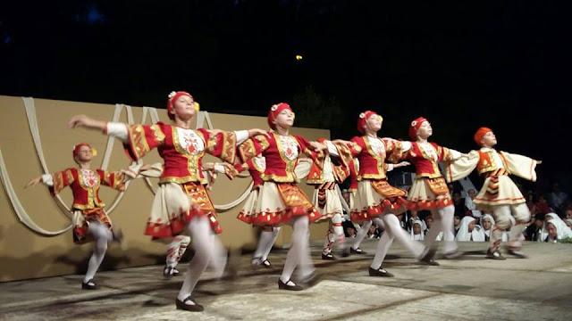 Μια μοναδική βραδιά παραδοσιακού χορού στο λιμάνι του Τολού