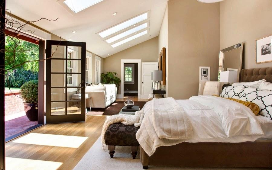 Dom w Kalifornii ze składaną, szklaną ścianą, wystrój wnętrz, wnętrza, urządzanie domu, dekoracje wnętrz, aranżacja wnętrz, inspiracje wnętrz,interior design , dom i wnętrze, aranżacja mieszkania, modne wnętrza, styl klasyczny, styl Hampton, sypialnia