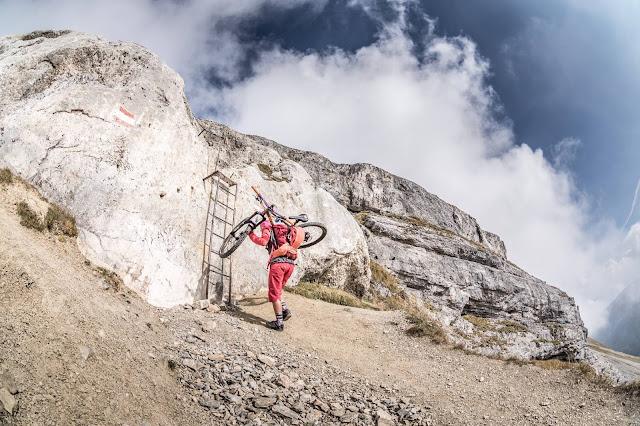 Aufstieg Klettersteig Mountainbike Serles