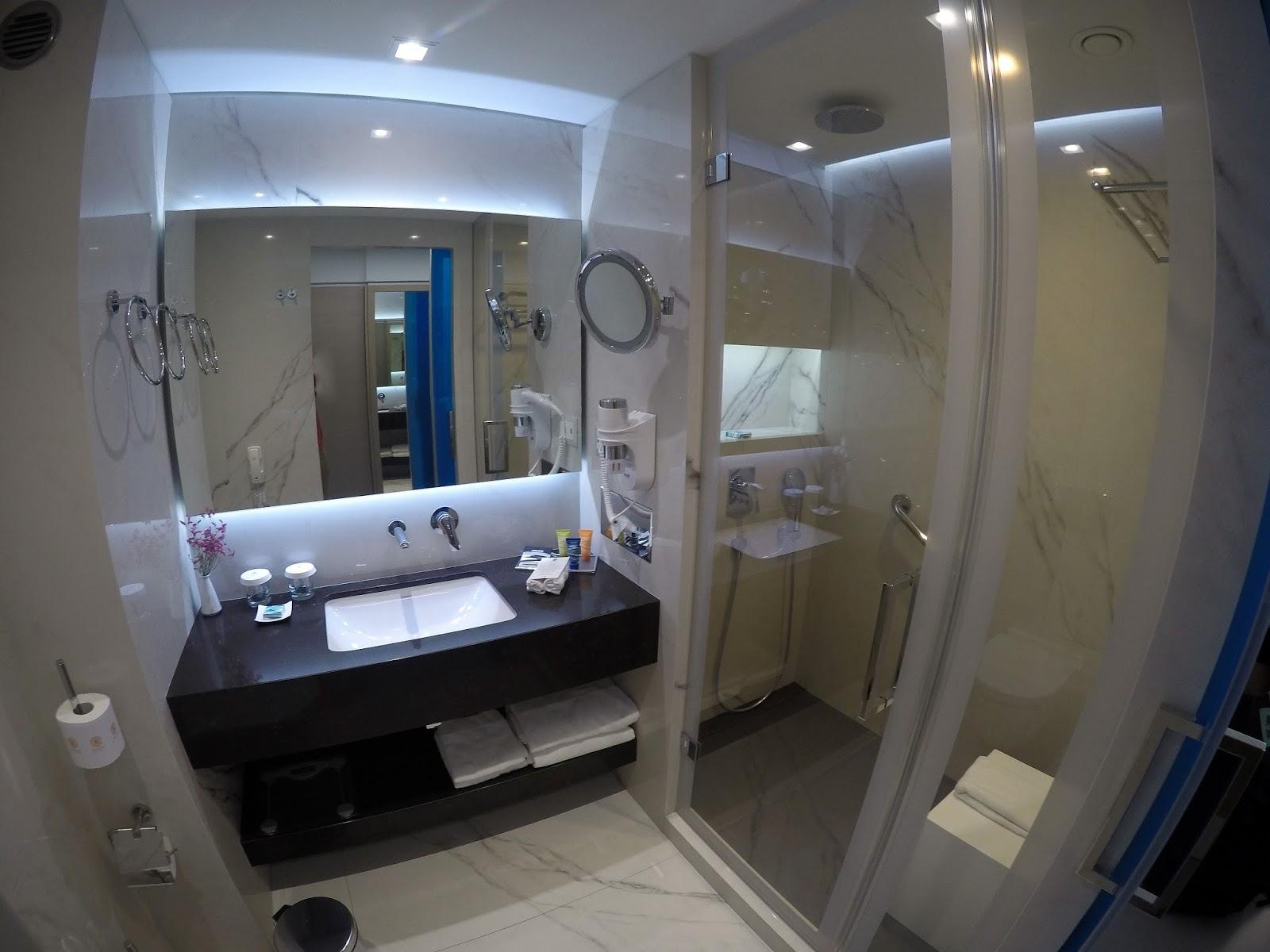 Neptune Hotel Kos Bathroom