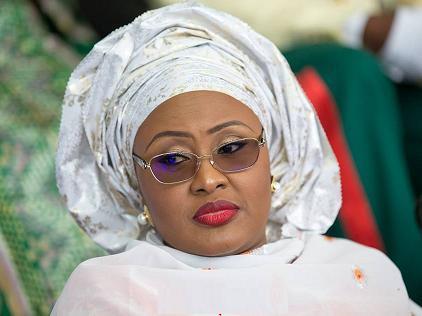 Breaking: Aisha Buhari prevented from entering the Aso Villa (Video)