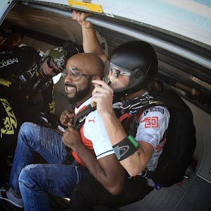 Photos: So BankyW Can Fly Without  Wings- Photos