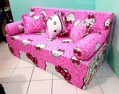 Sofa bed inoac motif hello kitty ping pita