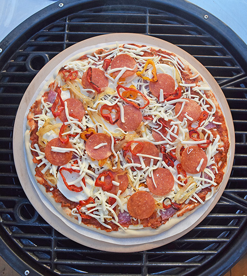 How to make pizza on a kamado grill