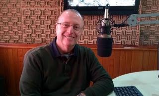 O radialista e jornalista Ângelo Ananias está de volta ao rádio