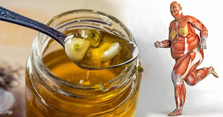 Οκτώ οφέλη που θα συμβούν στο σώμα σας αν αρχίσετε να τρώτε μέλι κάθε μέρα