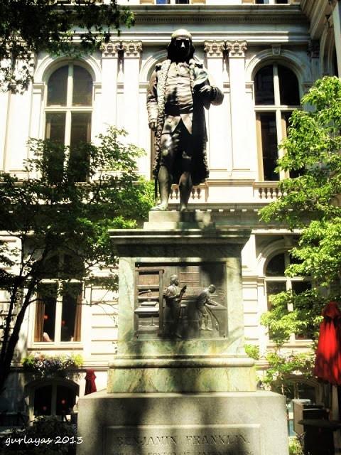 Pres. Benjamin Franklin statue by gurlayas.blogspot.com