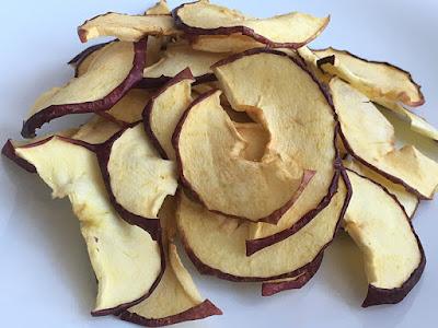 Suszone jabłka na przekąskę