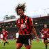 Aké fichó por Bournemouth y deja a Chelsea más de un millón de euros por partido jugado