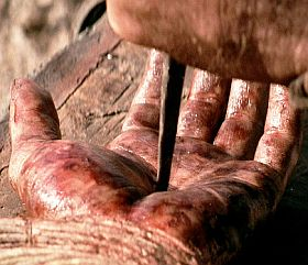 mano-inchiodata-di-Gesù