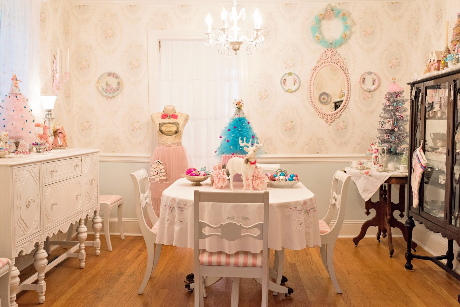 Marshmallow creations featured in vintage holiday magazine for My dining room 9 course