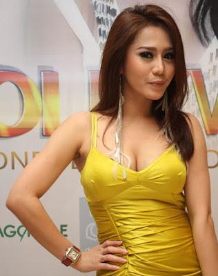 Foto Vicky Zainal Cantik dan seksi