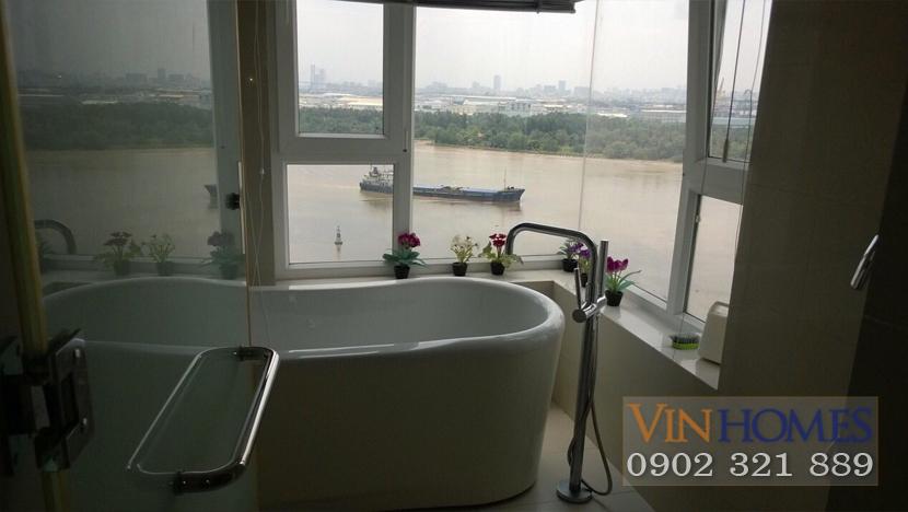 Bán căn hộ Vinhomes Central Park - bồn tắm view sông Sài Gòn