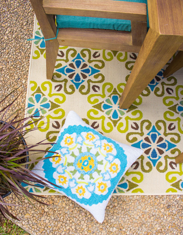 when choosing an outdoor rug be sure to select one that is made to withstand the elements this polypropylene rug is made to resist fading and mildew and