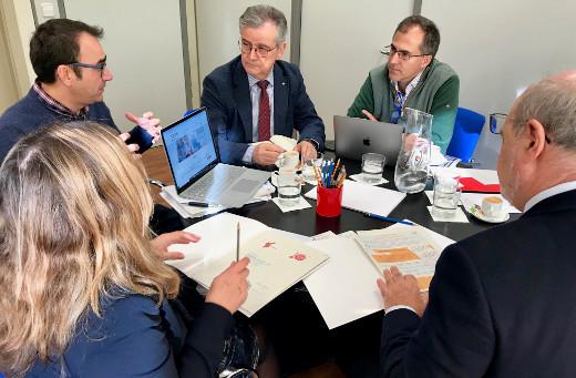 La Agència Valenciana de la Innovació (AVI) y Cruz Roja Comunitat Valenciana han establecido vías de colaboración para impulsar el desarrollo de nuevas soluciones tecnológicas e innovaciones que den respuesta a las necesidades organizativas y asistenciales de esta organización humanitaria.