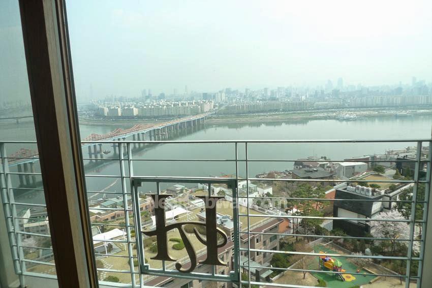 Lease Vs Rent >> Seoul Apartment: Hilltop Treasure on high floor, Great river view / Hannam-dong, Yongsan-gu, Seoul