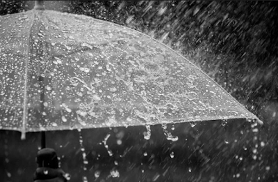 https://www.katabijakpedia.com/2018/12/kata-kata-bijak-mutiara-penuh-makna-di-saat-hujan.html