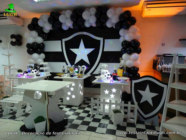 Decoração de mesa tema do Botafogo para festa de aniversário infantil