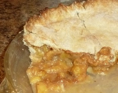 peach pie from homegrown peaches