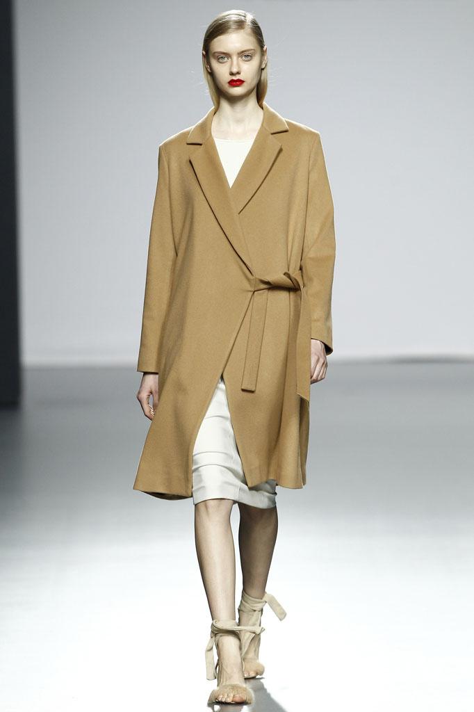 camel coat minimal
