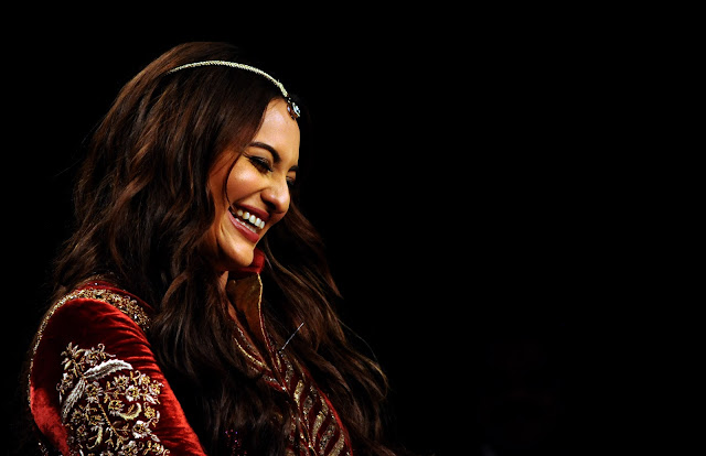 Sonakshi Sinha at Blenders Pride Fashion Tour