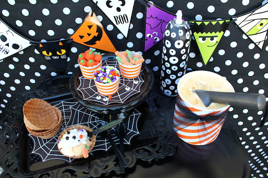 LAURA'S little PARTY: Serve up some spooky ice cream sundaes!