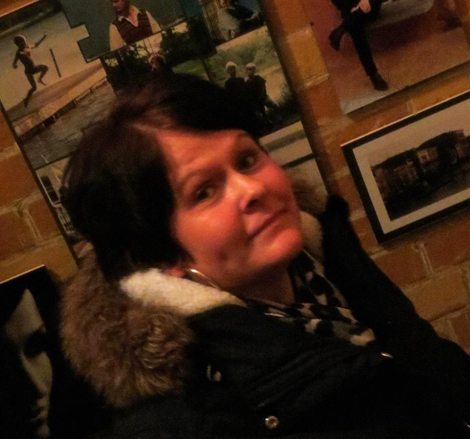varm lady ansiktsbehandling nära Örebro