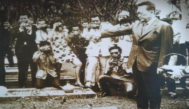 Oktober 48 Tahun Silam: Demi Sukarno Dua Marinir Hadapi Tiang Gantung