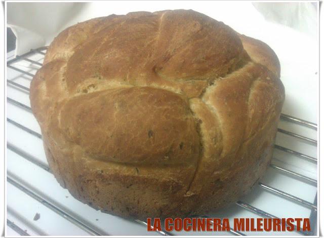 Pan de Aceite y Orégano/ Pan con Queso de Cabra y Olivas Garnachas