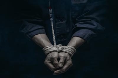 Hallo sobat sahabat welcome pencinta film kali ini aku akan menuliskan sinopsis wacana FIL Sinopsis DOCTOR PRISONER Drama Korea 2019