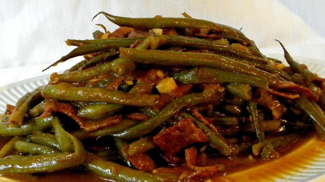 How to Make Slow Cooker Green Beans