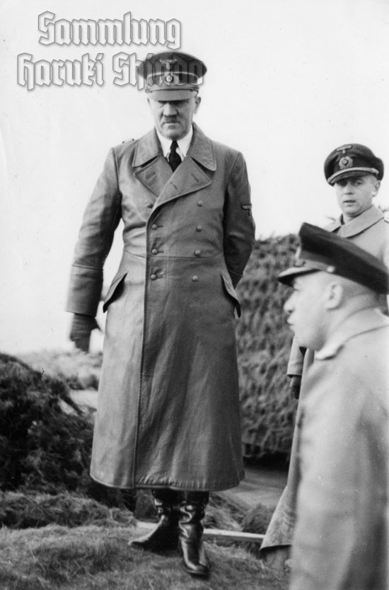 23 December 1940 worldwartwo.filminspector.com Adolf Hitler Fritz Todt Friedrich-Wilhelm Fleischer Cap Gris Nez