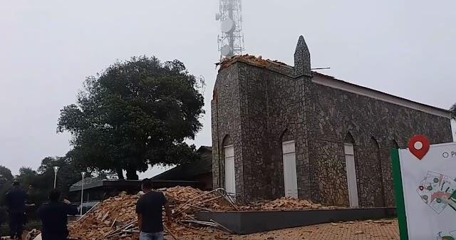 Cristo da Igreja do Céu em Viçosa do Ceará desmorona