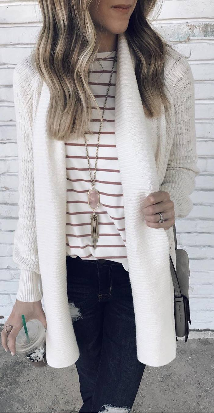 what to wear with a stripped top : white cardi + bag + jeans