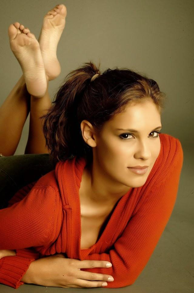 Celebrity Soles Daniela Ruah-7767