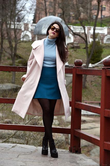 пальто пудрового цвета, пальто цвета пудры