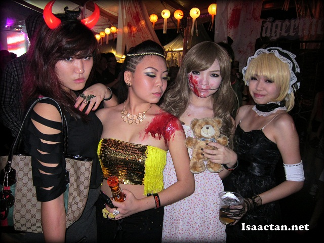 Pretty blogger friends all decked up in Halloween costumes