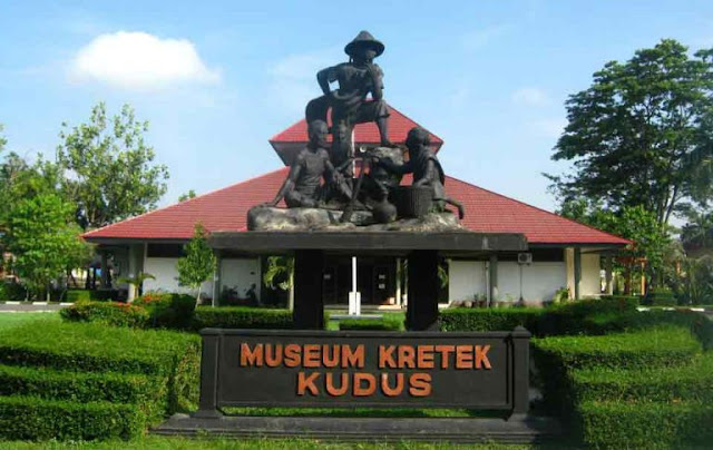 Wisata kota kudus Museum kretek