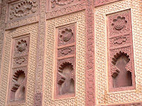 sikandra intricate wall details