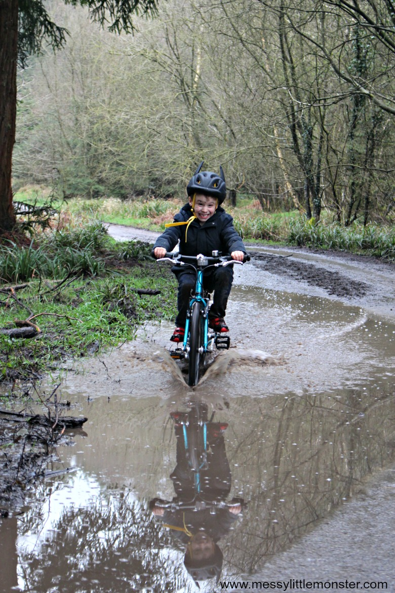 Islabikes Beinn 20 Review- a lightweight easy to ride children's bike.