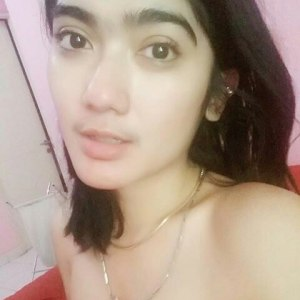 Foto Revi Mariska Cantik lagi Mandi