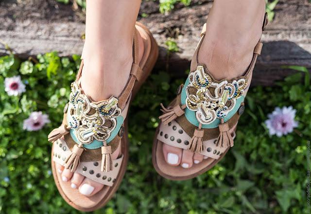 Moda 2017. Moda en calzado femenino sandalias, zapatos, accesorios y carteras de cuero para mujer verano 2017. Moda 2017.