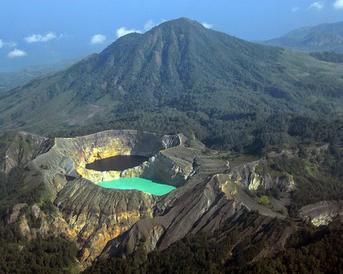 Tinuku.com Travel Kelimutu National Park on Flores island watching colorful three lakes and continue change over time